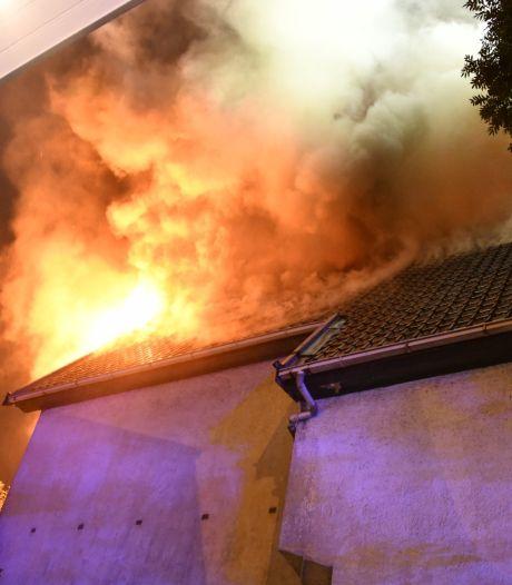 Une villa squattée incendiée à Forest