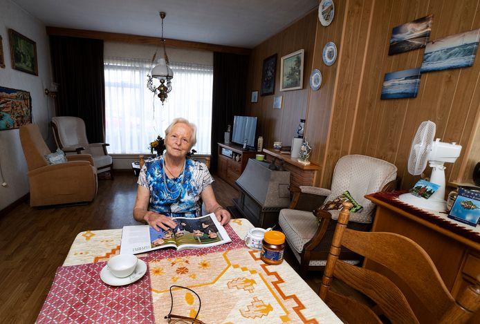 """Annie Hendriks woont 65 jaar in dezelfde huurwoning. ,,Verhuizen? Ik moet er niet aan denken."""""""