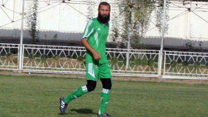 In Tadzjikistan zijn baarden verboden, maar deze populaire voetballer weigerde zich te scheren