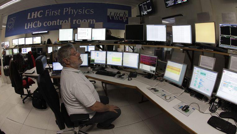 Onderzoekers van het LHCb-experiment op deeltjeslab CERN Beeld anp