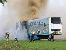Brandende vrachtwagen veroorzaakt dubbele file op A28 bij Ermelo