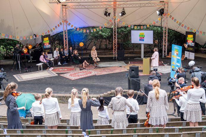Koningin Máxima in openluchttheater Cabrio in Soest.