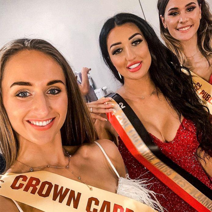 Louise Nulens (links) kreeg een 'crown card'.