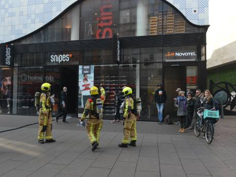 Brand in schoenenwinkel Snipes aan de Grote Marktstraat