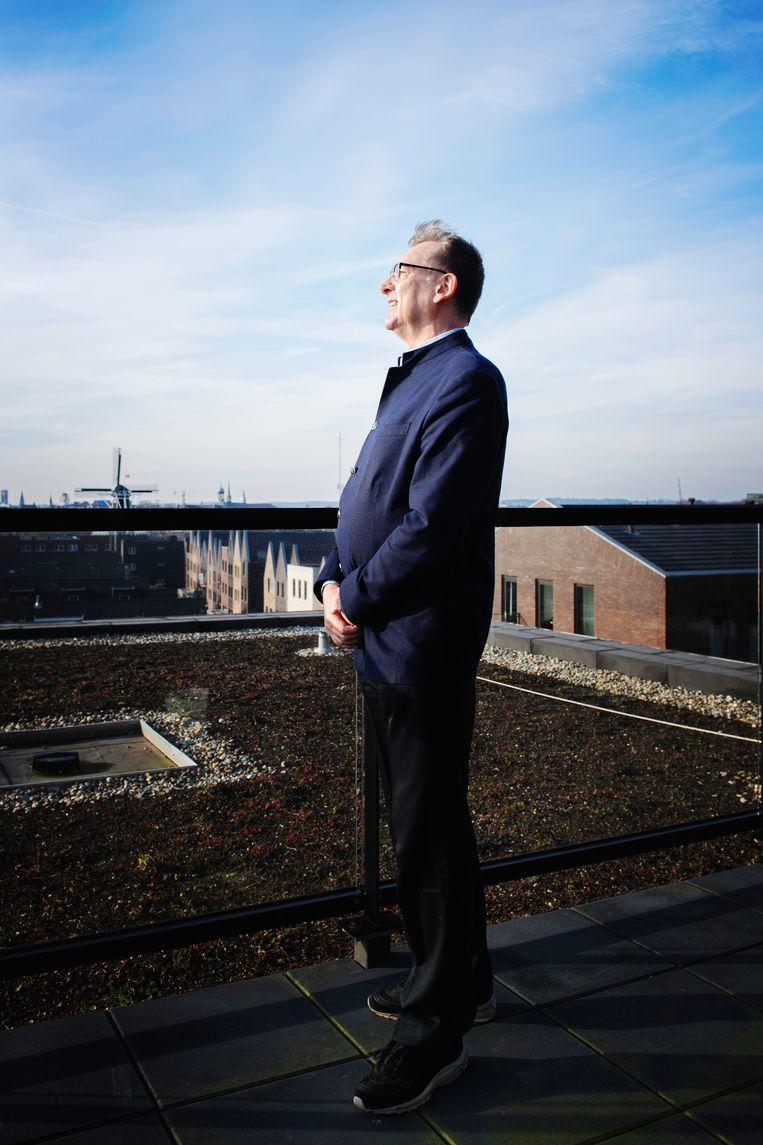 Henk Bekedam: 'Er is niet genoeg tijd omte wachten op de perfecte test, of op keihard bewijs dat mondkapjes helpen, maar dat is Nederland nietgewend.' Beeld Kiki Groot