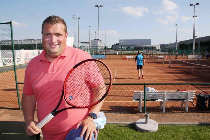 Dubbelspecialist Gauthier Van Ryckeghem is momenteel wedstrijdleider in het dubbeltoernooi van TC Alexander