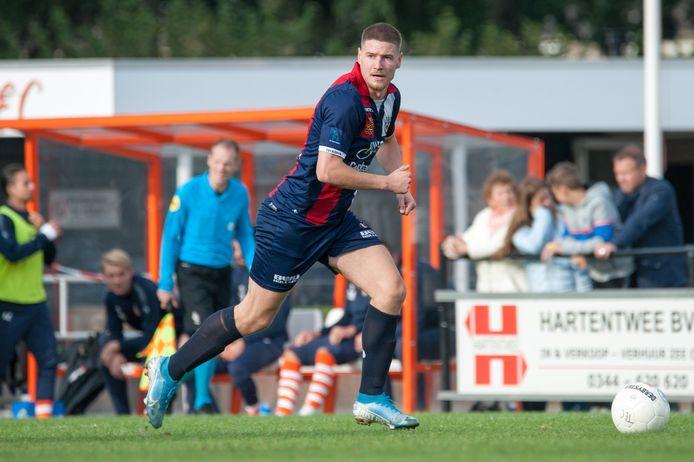 Daan Blij dit seizoen met Excelsior Maassluis in actie tegen TEC.