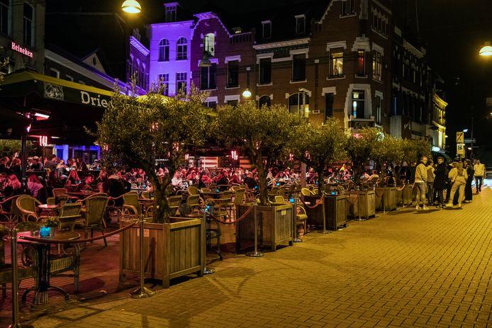 Terrassen aan de Molenstraat in Nijmegen.
