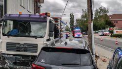 Ingedommelde chauffeur veroorzaakt ravage langs Provinciebaan in Velzeke
