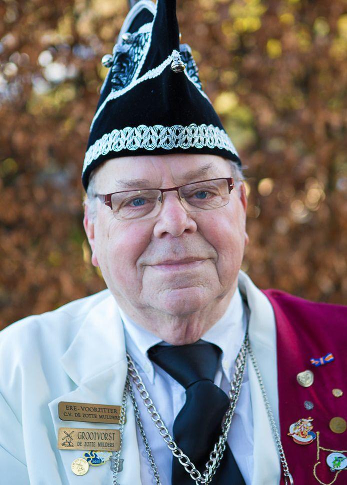 Grootvorst Henk Dekkers van de Zotte Mulders in Oisterwijk is 3 november 2020 op 88-jarige leeftijd overleden