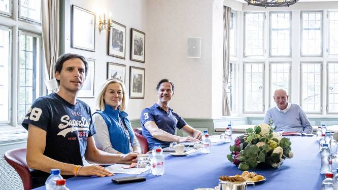 Kritiek op kledingkeuze politiek leiders: 'Net of Wopke Hoekstra naast z'n ouders zit'
