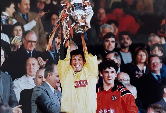 Guido van de Kamp won in 1994 de beker met Dundee United, in 2015 kreeg hij daarvoor nog een plekje in de Hall of Fame.