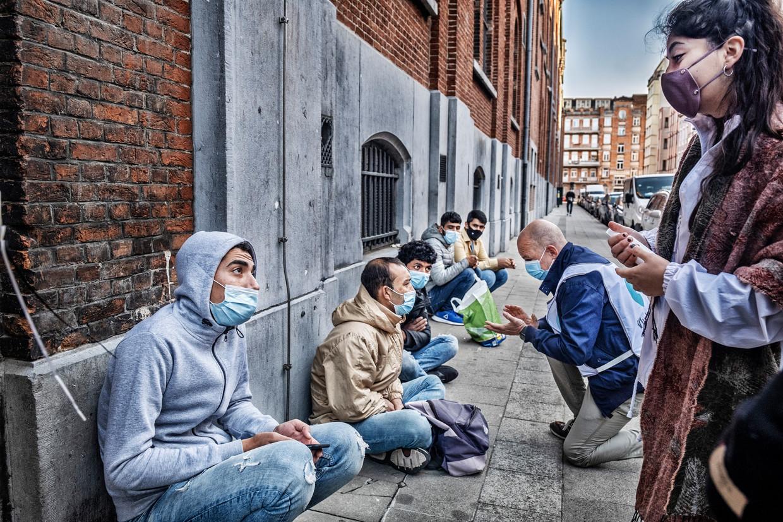 Vluchtelingen aan het Klein Kasteeltje in Brussel. Beeld Tim Dirven