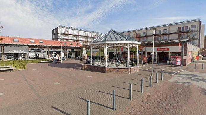 Het winkelhart van Roelofarendsveen wordt heringericht.