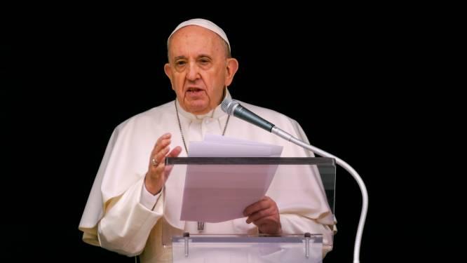 Paus spreekt afschuw uit over Canadees kindermassagraf, maar biedt geen excuses aan