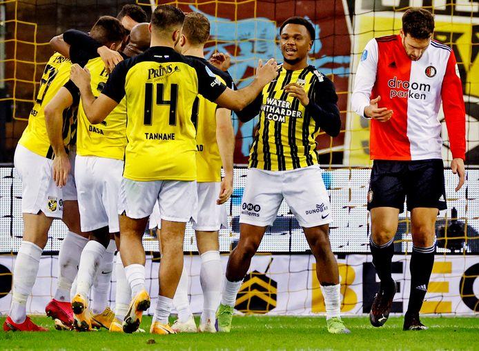 Vitesse won na PSV ook van Feyenoord in de eigen Gelredome.