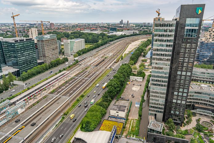 Werkzaamheden aan het toekomstige Zuidasdok in Amsterdam.