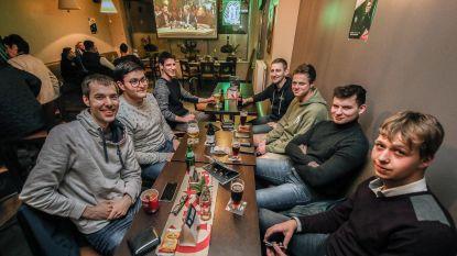 Supporters van Martijn volgen De Mol elke zondag in 't Brouwerijtje