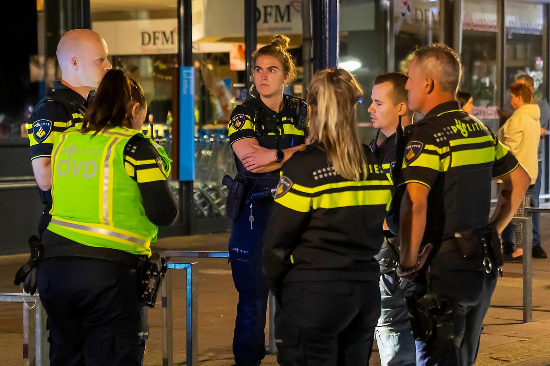 Politieagenten aan het werk in Oss.