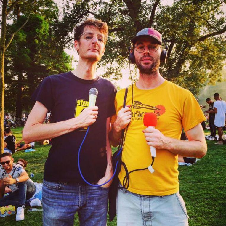 Willem Sjoerd en Roy, twee ambitieuze Nederlanders die een eigen radioshow wilden beginnen Beeld Radio Siberië