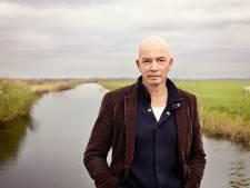 Tommy Wieringa in Helmond: 'Je zou met machinegeweer naar antroposofische school gaan'