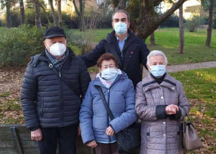 Journalist Matteo Incerti met Bruno, Mafalda en Giuliana Naldi eerder deze week.