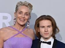 """Sharon Stone pleure de joie en journée et s'agace en soirée: """"Bande d'enfoirés bon marché!"""""""