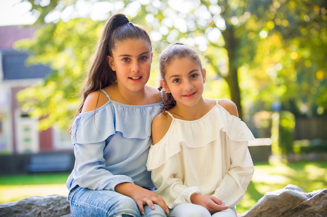 Dianne (rechts) en Susanne Arshukyan uit Armenië wonen net als Lili en Howick al jarenlang in Nederland. Toch dreigen zij wel uitgezet te worden.