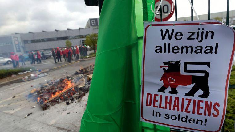 Een stakingsactie bij het distributiecentrum van Delhaize in Zellik, in oktober vorig jaar.