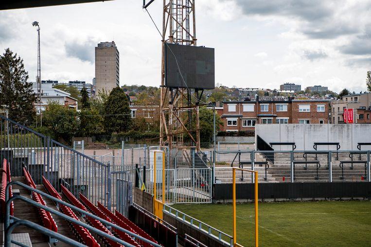 Het Stade du Pairay ligt in een grauwe buurt. Beeld Photo News