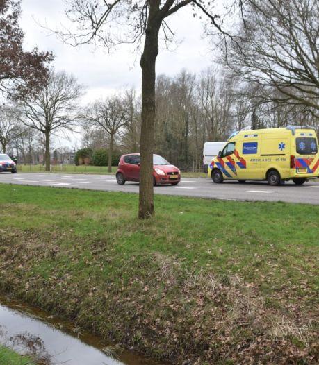 Vlak achter elkaar twee botsingen in Almelo: gewonde naar ziekenhuis