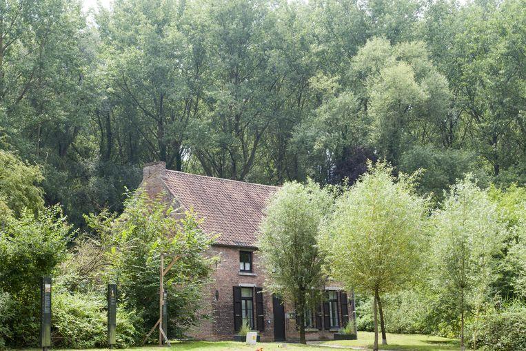 In dit huisje in Cuesmes, Henegouwen, begon Vincent van Gogh na een zware periode weer te schetsen en schilderen. Beeld Alamy Stock Photo