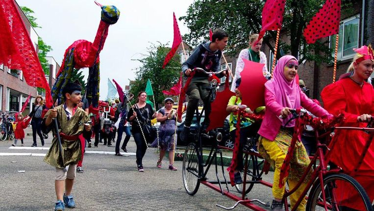 Heb jij je paradepakkie voor het Carnaval van Noord al klaarliggen? Beeld Carnaval van Noord