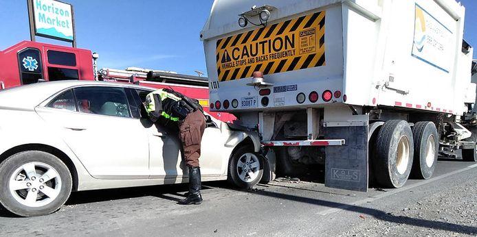 Man ramt truck na lachbui. (archieffoto)