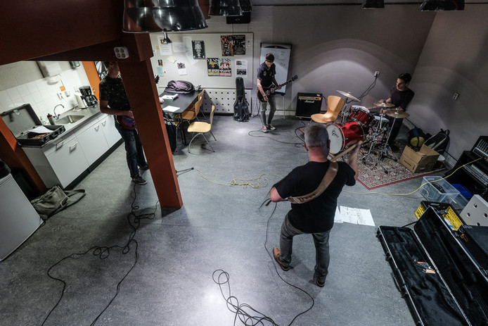 De band Rehab Rehearsel.