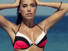 Sexy Sylvie showt nieuwe bikini's