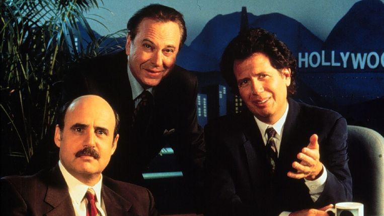 Garrry Shandling, rechts, in zijn Larry Sanders Show. Beeld ANP Kippa