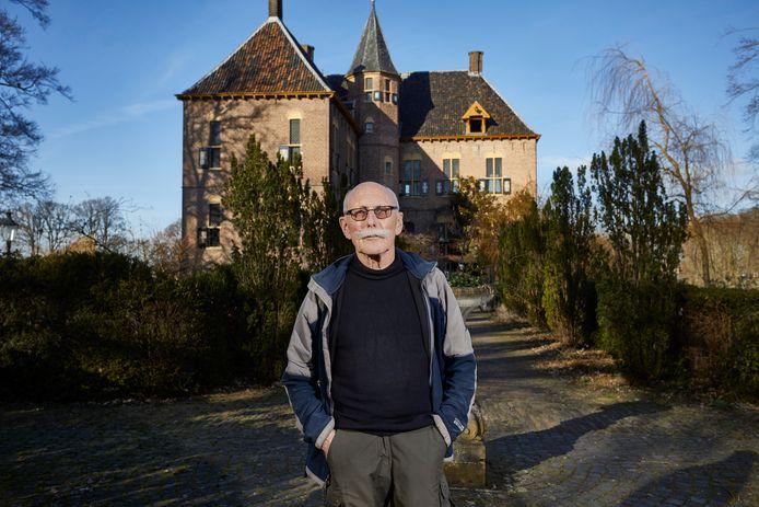 De rechter heeft bepaald: iedereen mag wandelen over de paden en wegen rondom Kasteel Vorden. Daarmee krijgt de inmiddels 83-jarige Berd Wegman na drie jaar alsnog gelijk.