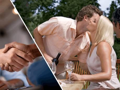 Ga jij na corona weer handen schudden en drie zoenen geven? (Peiling gesloten)