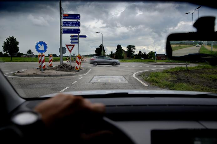 Als gevolg van de vele ongelukken op de N217 zijn aan weerszijden van kruising Blaakseweg/N217 verkeersdrempels geplaatst. Deze liggen er niet bij het Recreatieoord.