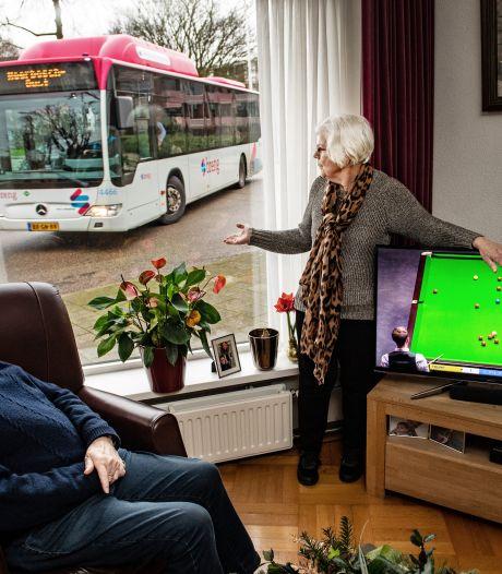 Woede om bus door Hatert: 'Gemeente zegt: 'bekijk het maar'