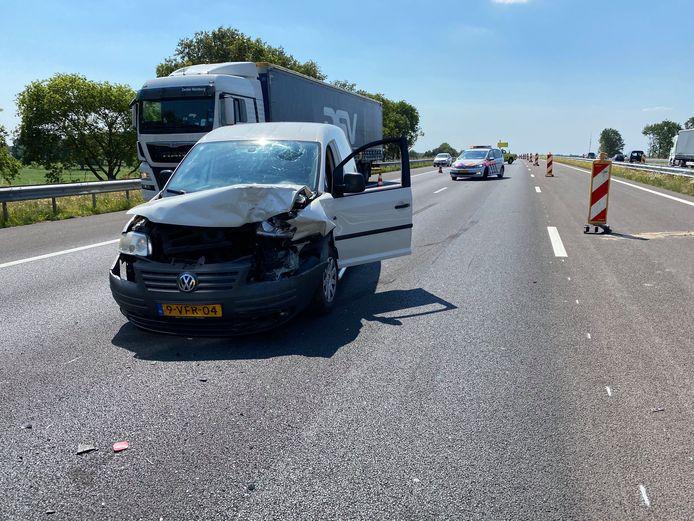 De file achter het ene ongeval was nog niet opgelost of het ging in de staart van de opstopping ook mis, vrijdagmiddag op de A1.