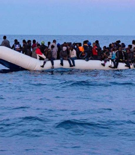 Nouveau drame en Méditerranée: un bateau fait naufrage avec 130 migrants à bord