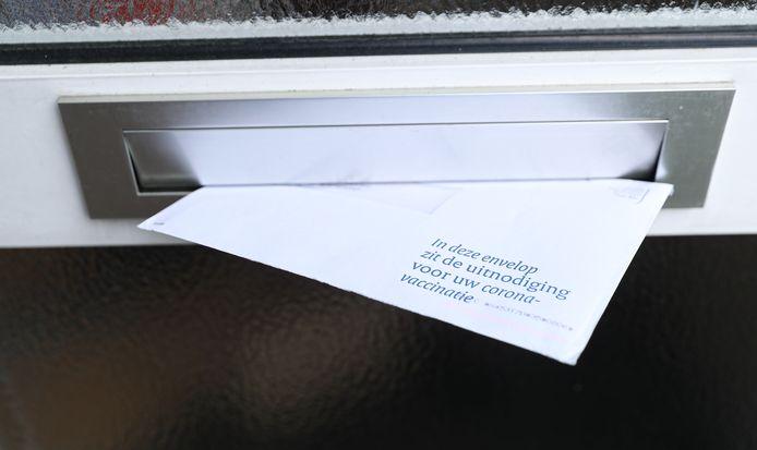 Roosendaal wil voorkomen dat de inhoud van deze enveloppen in kwetsbare wijken de prullenbak in gaat. Foto ter illustratie.