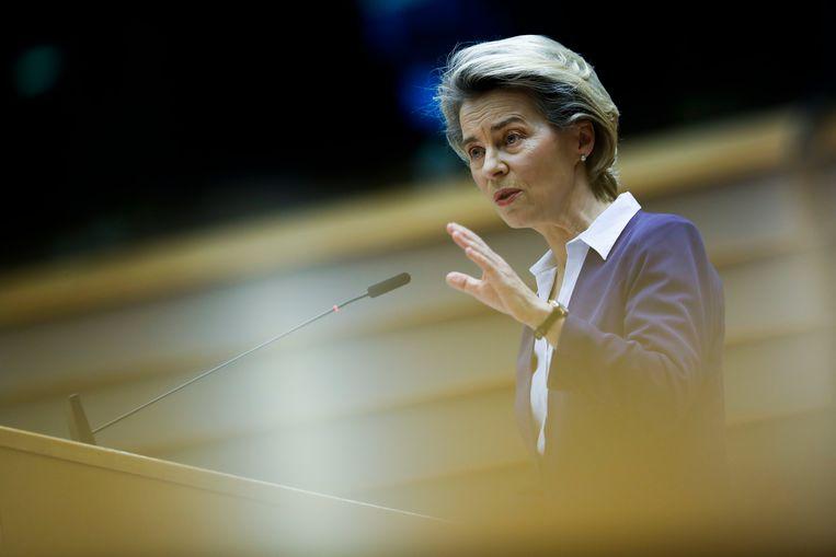 Volgens Simon van Teutem neemt de voorzitter van de Europese Commissie Ursula von der Leyen geen verantwoordelijkheid voor falend beleid. Beeld AP