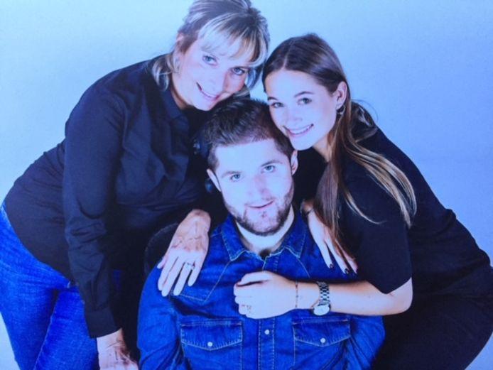 Yvonne, zoon Christian en dochter Isabel.