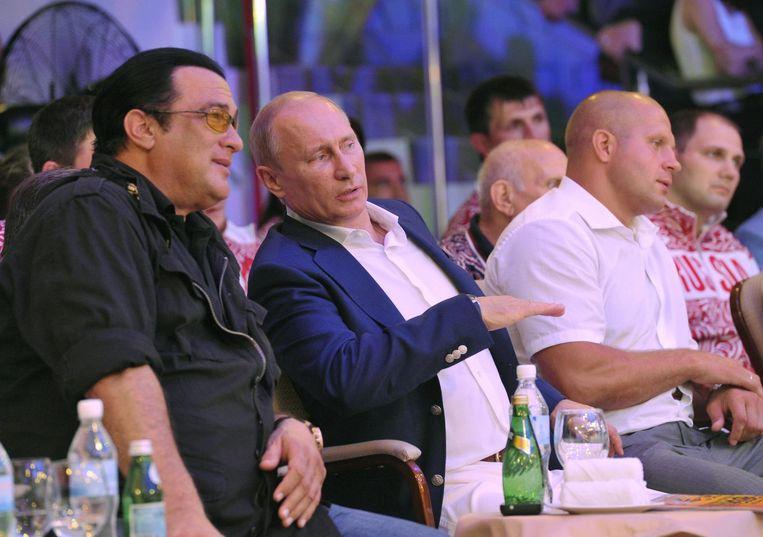 Archiefbeeld van Steven Seagal en Vladimir Poetin uit 2012. Beeld anp
