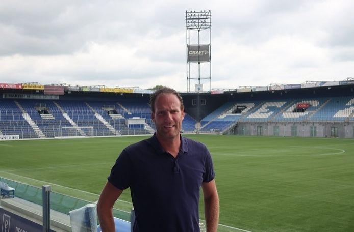 Jeroen van Leeuwen, de nieuwe algemeen manager van PEC Zwolle, vernam dinsdagavond dat het eredivisieseizoen definitief niet wordt uitgespeeld. ,,De duidelijkheid is heel prettig. We weten waar we aan toe zijn nu en waar we de focus op moeten gaan leggen.