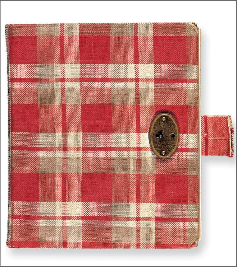 Het dagboek dat Anne voor haar 13e verjaardag krijgt. Beeld