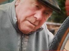 """Krantenbezorger Marcel (94) overleden: """"Hij deed zijn ronde tot hij niet meer kon"""""""